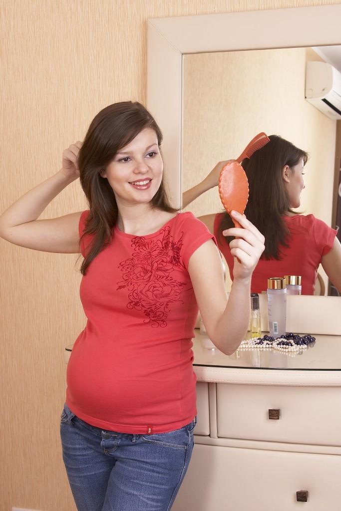 Как беременные моют голову