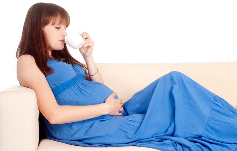Чтобы поступало достаточное количество кальция что надо беременным употреблять
