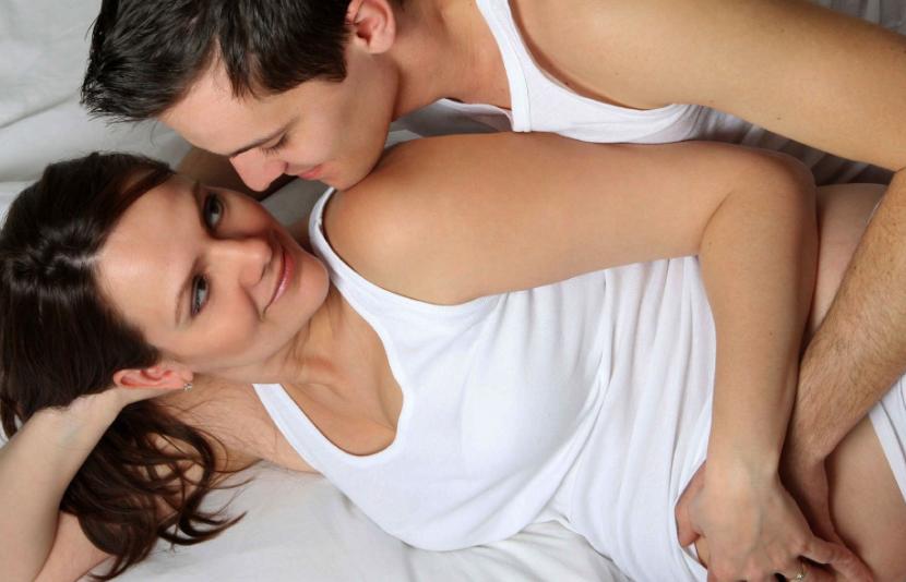 Позы для секса во время беременности на поздних сроках