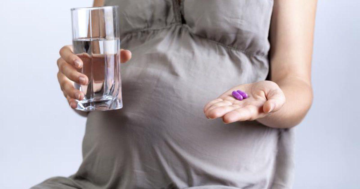 Белок в моче при беременности на ранних сроках