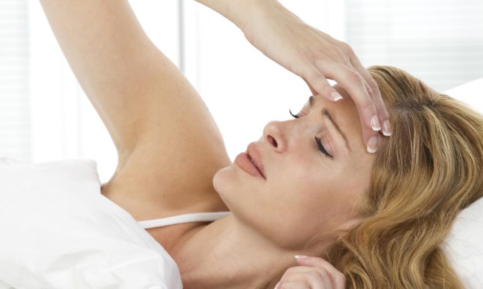Во время маструбации болит голова колено хрустит и болит