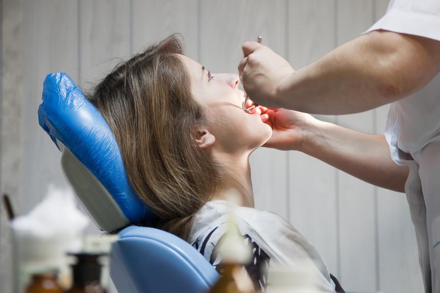 Как обезболить зуб при беременности при домашних условиях