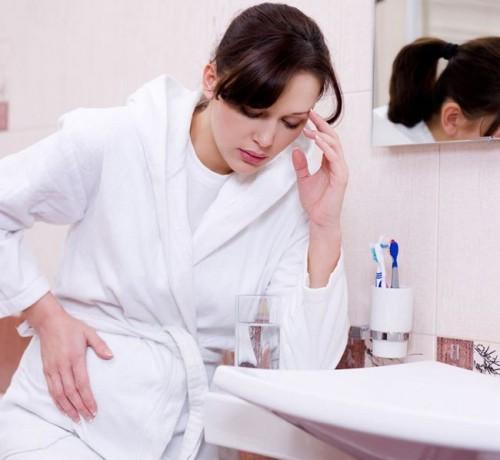 bauchschmerzen-in-der-schwangerschaft-koennen-unangenehm-sein