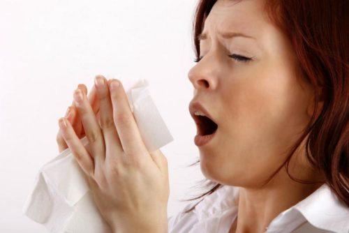 почему при беременности болит живот при чихании thumbnail